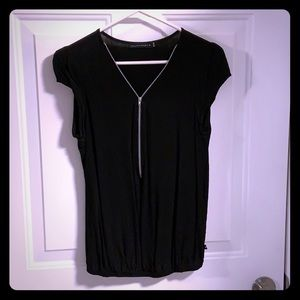 William Rast short sleeve top with zipper accent